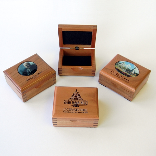 # 20 Chaplet boxes or other in cherry wood